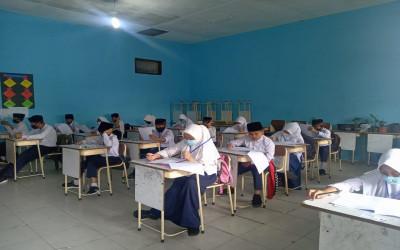 MIN 1 Bener Meriah Melaksanakan Ujian Madrasah Tahun Pelajaran 2020/2021